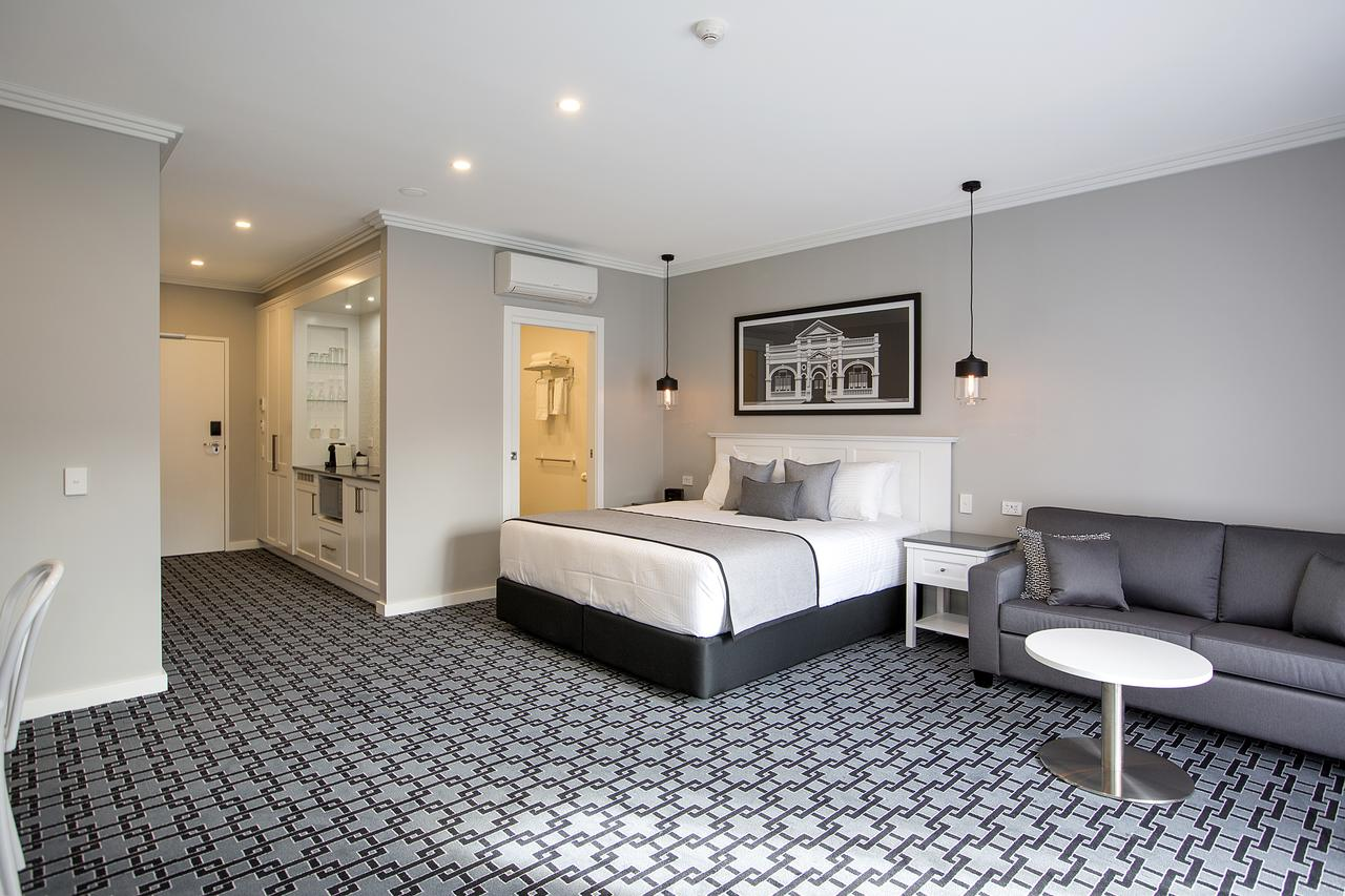 CH Boutique Hotel - Accommodation Sunshine Coast