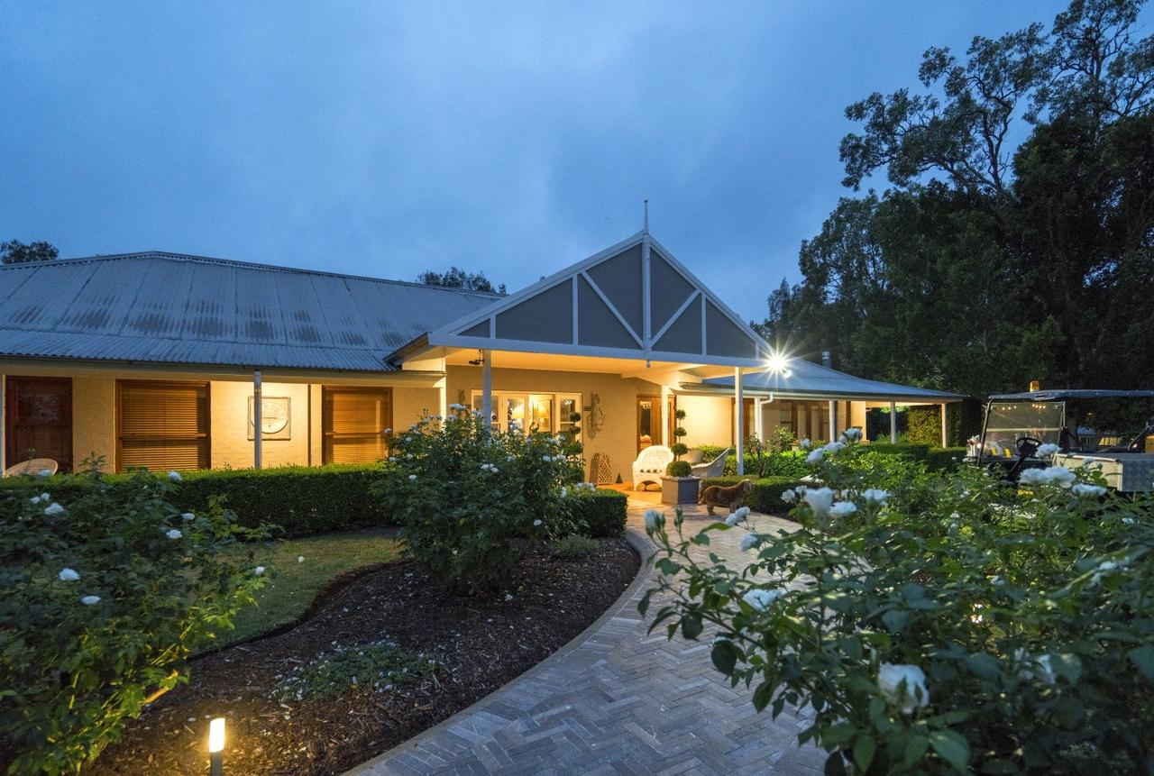 Thistle Hill Guesthouse - Accommodation Sunshine Coast