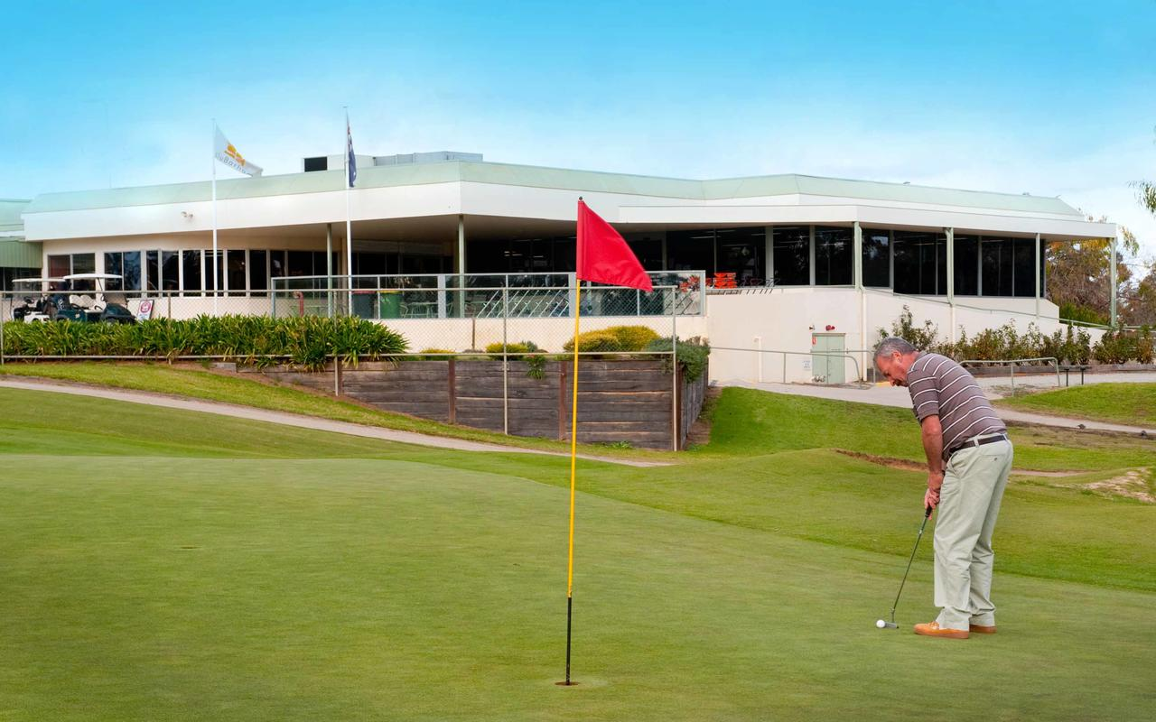 cluBarham Golf Resort - Accommodation Sunshine Coast