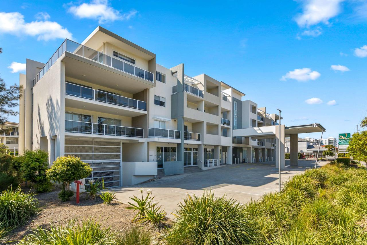 Quality Suites Pioneer Sands - Accommodation Sunshine Coast