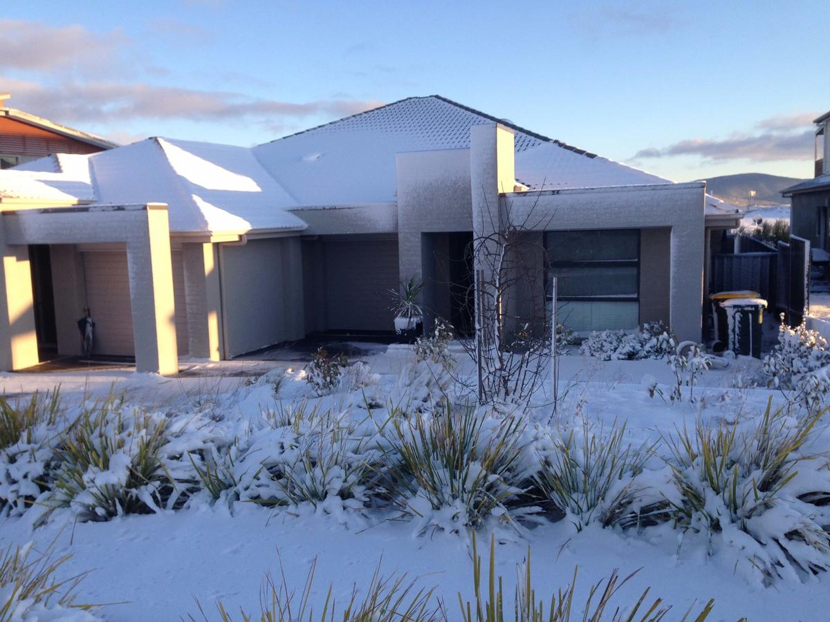 Jindabyne Executive - Accommodation Sunshine Coast
