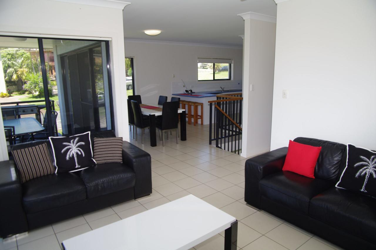 Breakaway 11 Scott Street - Accommodation Sunshine Coast