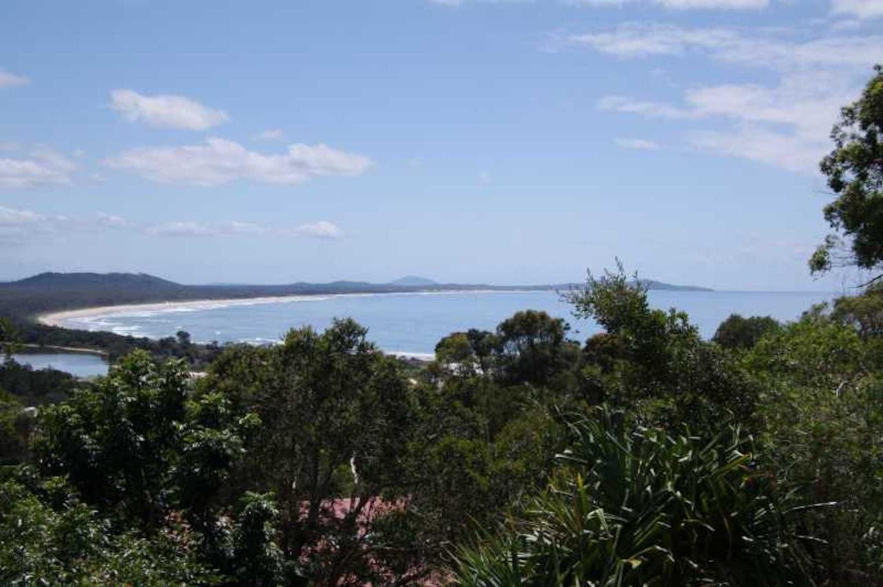 Coastwatch 26 Comara Terrace - Accommodation Sunshine Coast