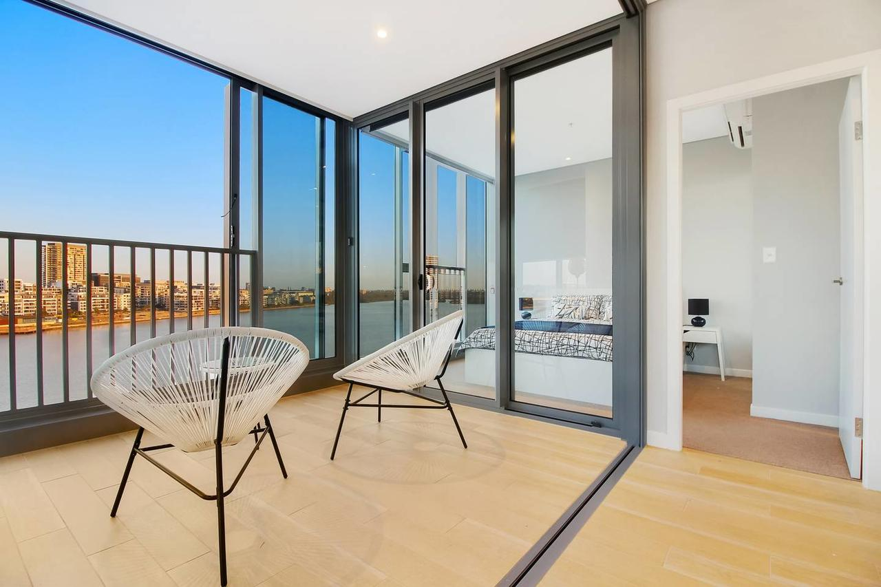 Brand New 3 Bedrooms Apt with Waterfront View - Accommodation Sunshine Coast