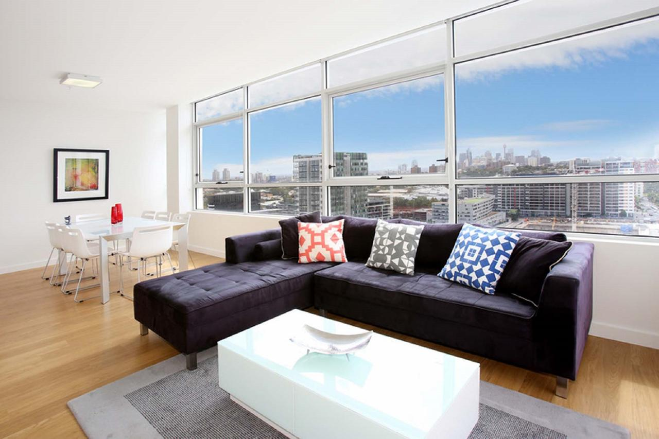 Gadigal Groove - Modern and Bright 3BR Executive Apartment in Zetland with Views - Accommodation Sunshine Coast