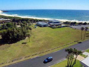 2 Cliff Road - Accommodation Sunshine Coast