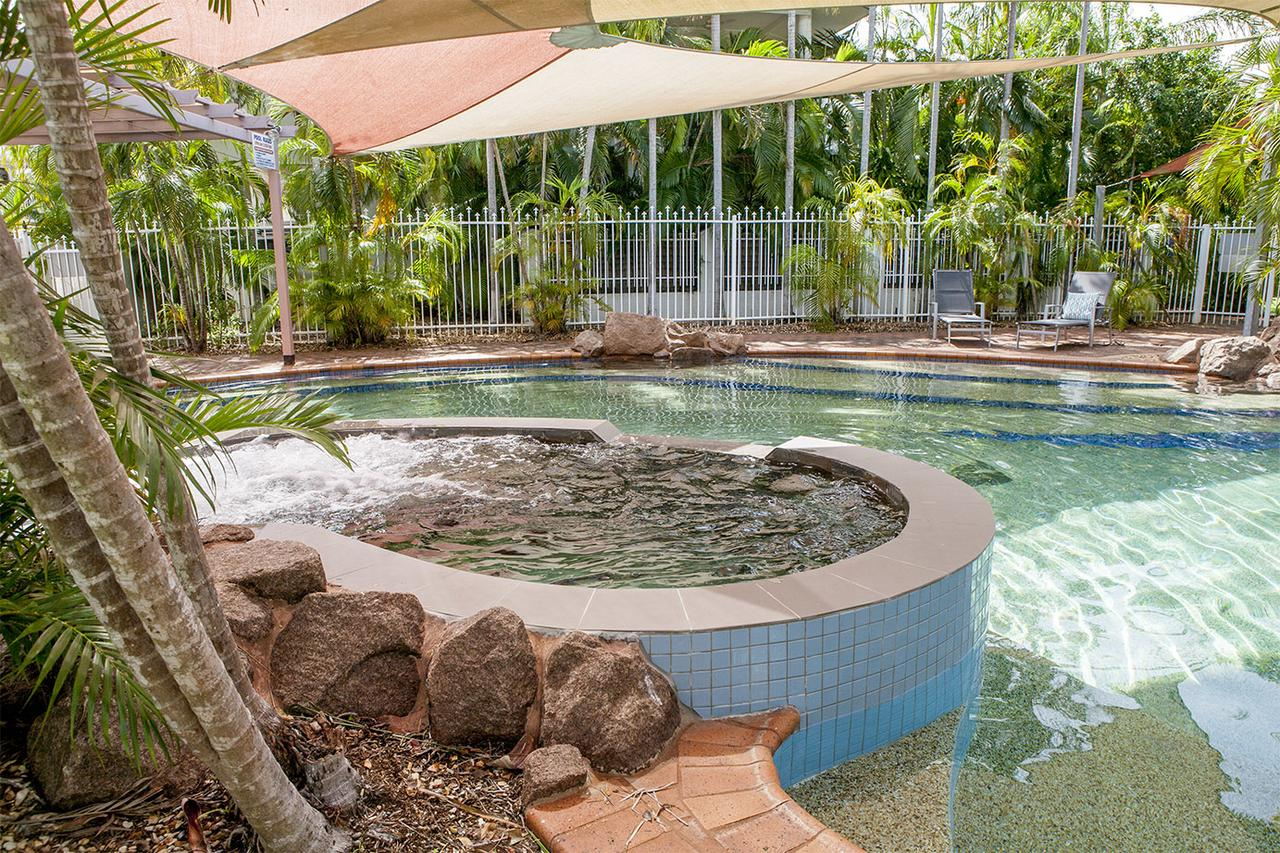 Nightcliff Foreshore Getaway - McKay Gardens - Accommodation Sunshine Coast