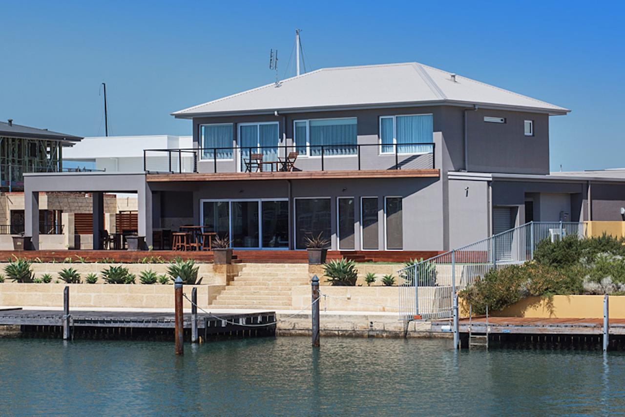 Oceans Edge - Busselton - Accommodation Sunshine Coast