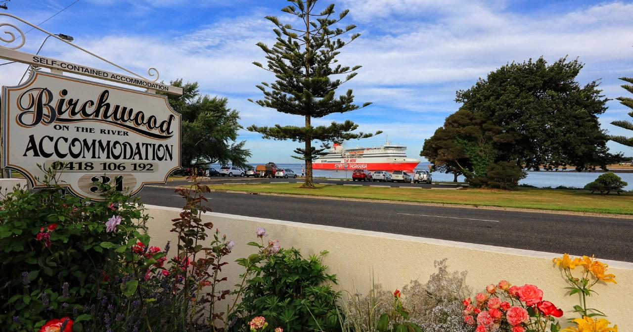 Birchwood Devonport self-contained self catering accommodation - Accommodation Sunshine Coast