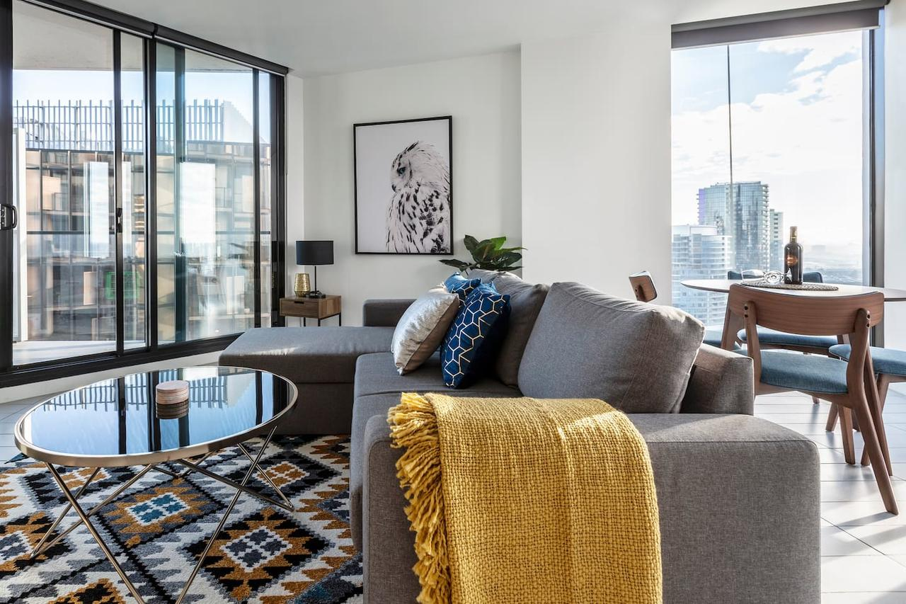 2Bedroom Apartment with Views in Docklands next to CBD  Marvel Stadium - Accommodation Sunshine Coast