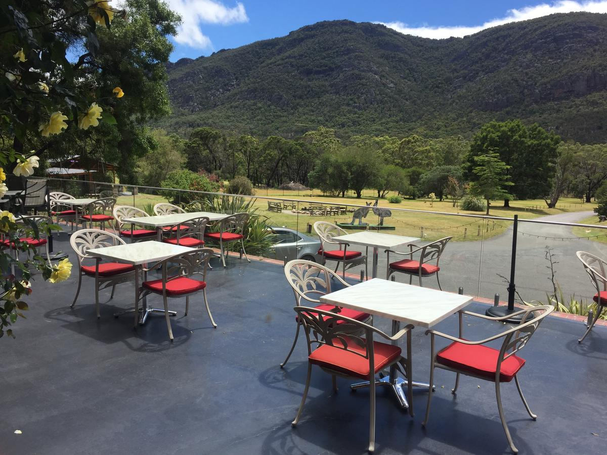 The Grampians Motel and The Views Bar  Restaurant - Accommodation Sunshine Coast
