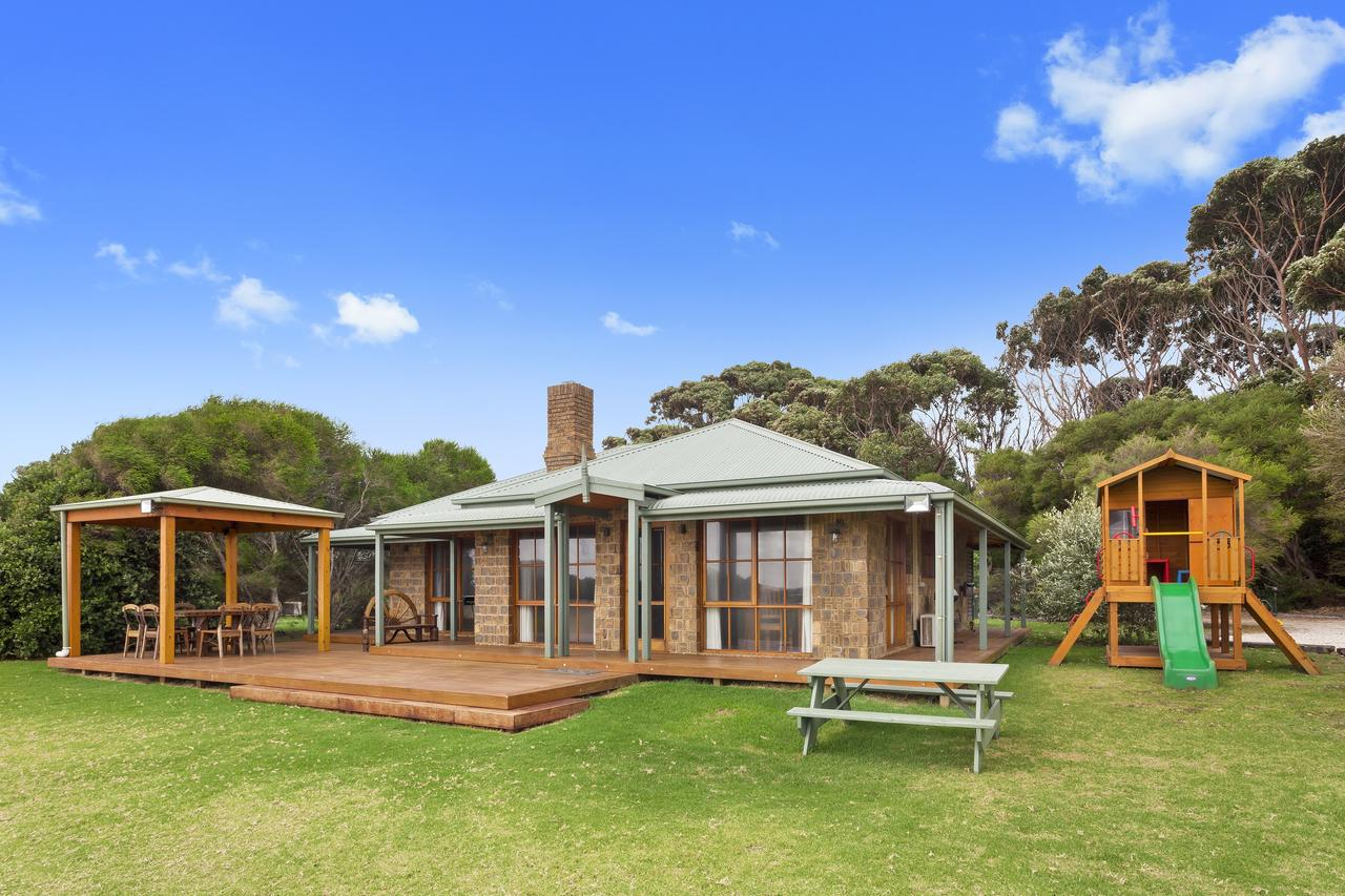 Apollo Bay Cottages - Accommodation Sunshine Coast
