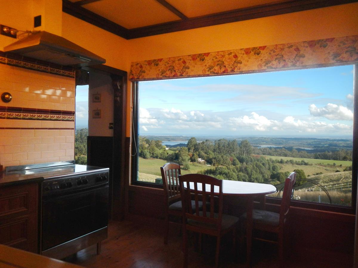 A Cottage with a View at Tudor Ridge - Accommodation Sunshine Coast