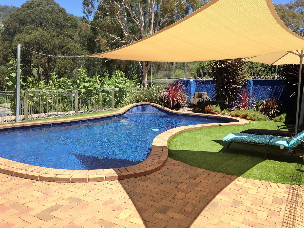 Snow View Holiday Units - Accommodation Sunshine Coast