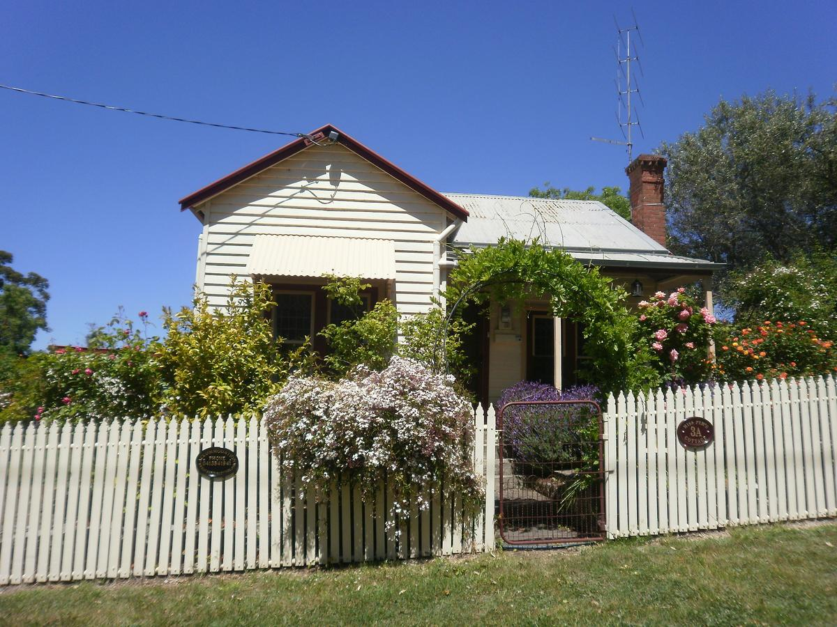 Miss Pym's Cottage - Accommodation Sunshine Coast