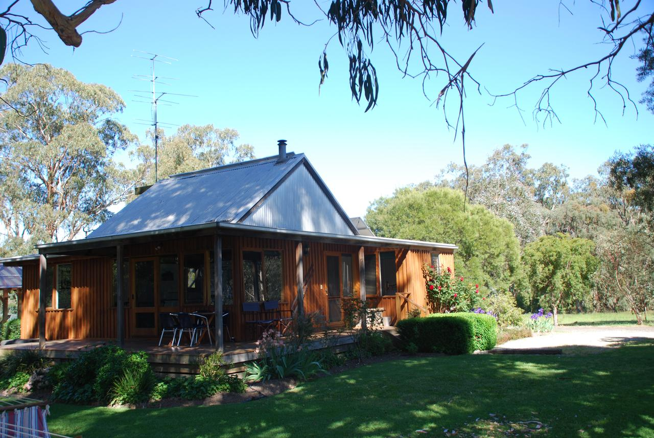 Bluegum Ridge Cottages - Accommodation Sunshine Coast