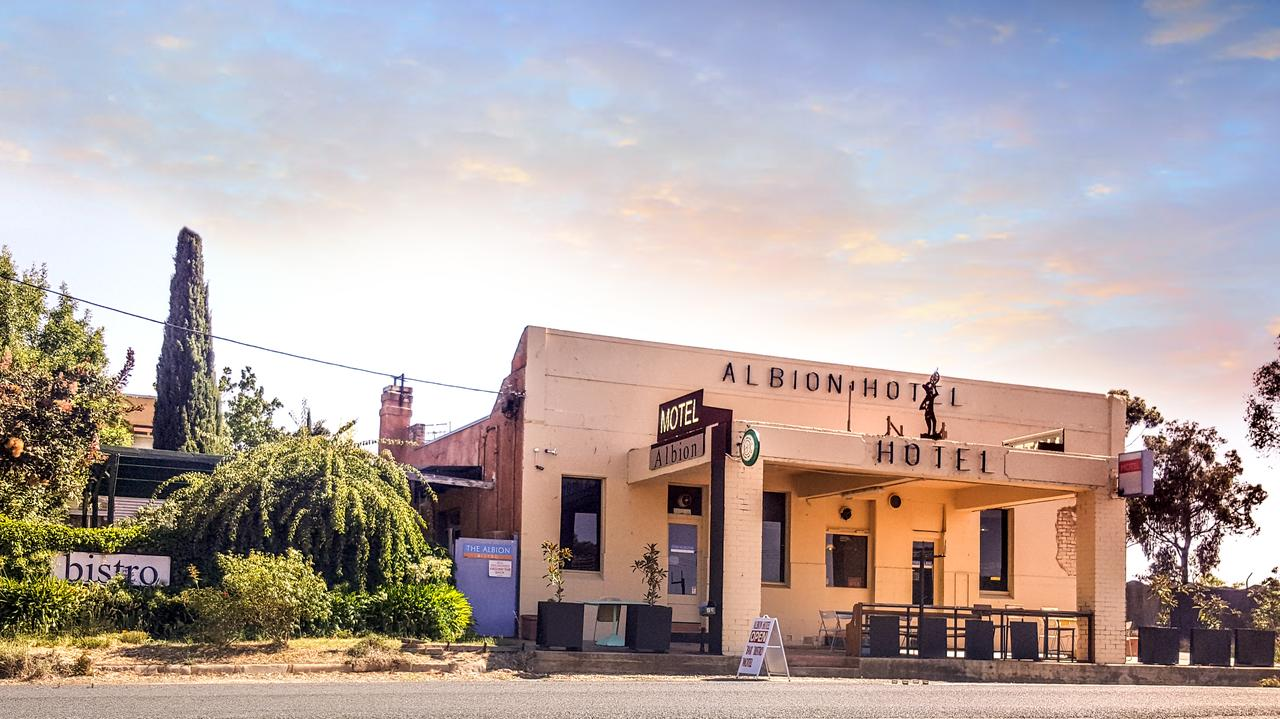 Albion Hotel and Motel Castlemaine - Accommodation Sunshine Coast