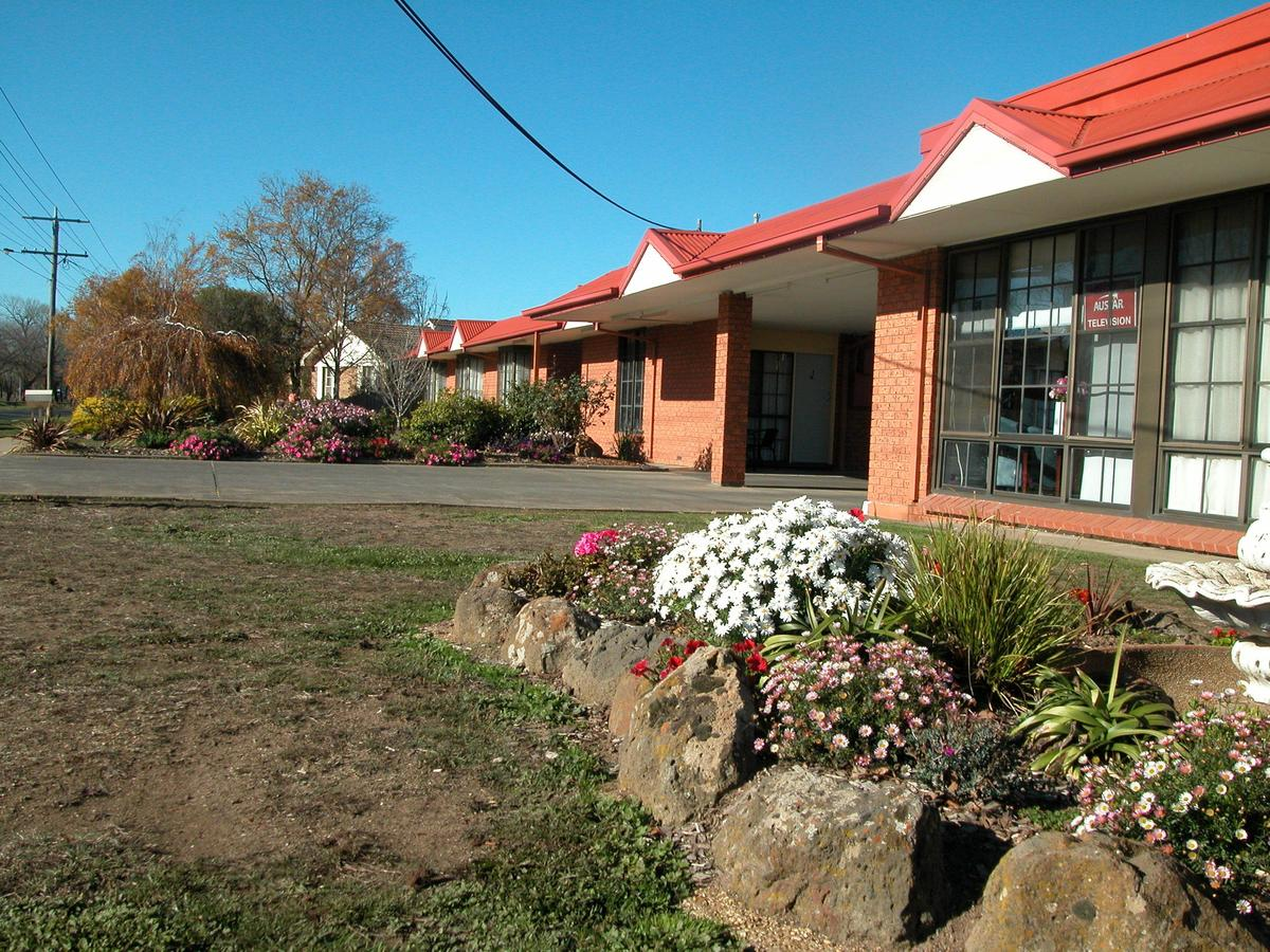 Ambassador Motor Inn - Accommodation Sunshine Coast