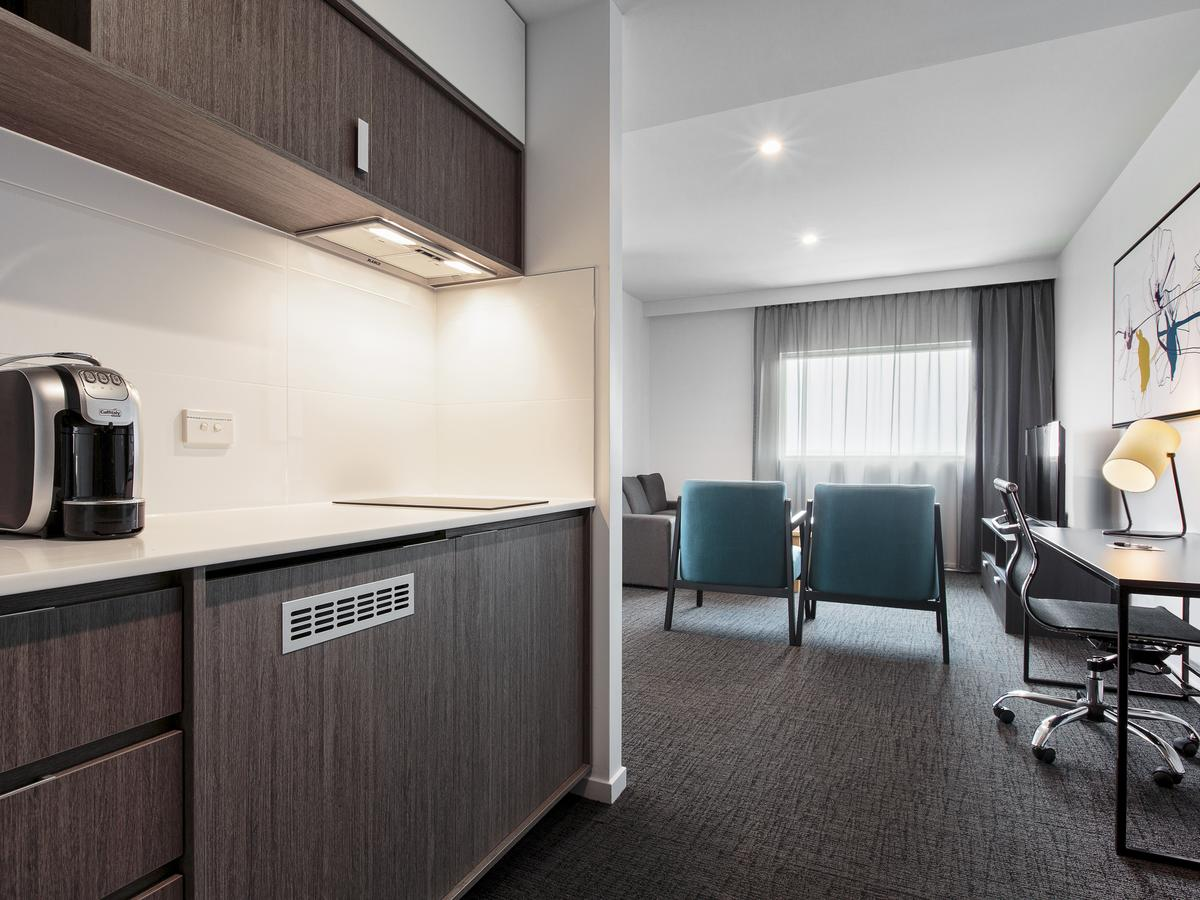 BEST WESTERN PLUS Lake Kawana Hotel - Accommodation Sunshine Coast