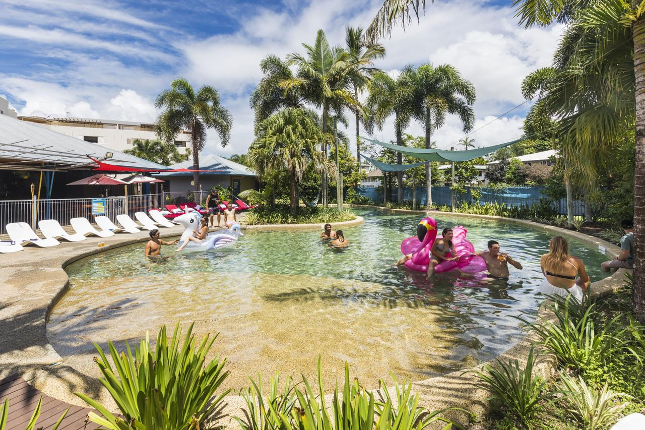 Summer House Backpackers Cairns - Accommodation Sunshine Coast