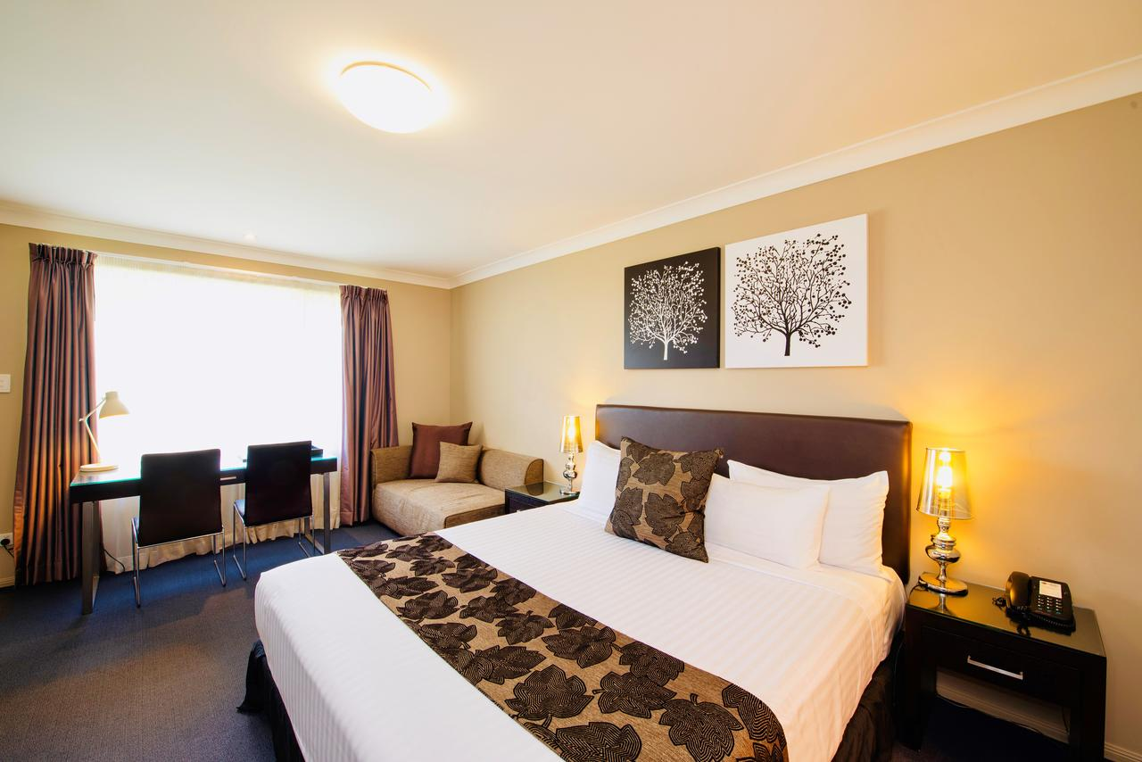 Best Western Plus Ambassador On Ruthven Motor Inn - Accommodation Sunshine Coast